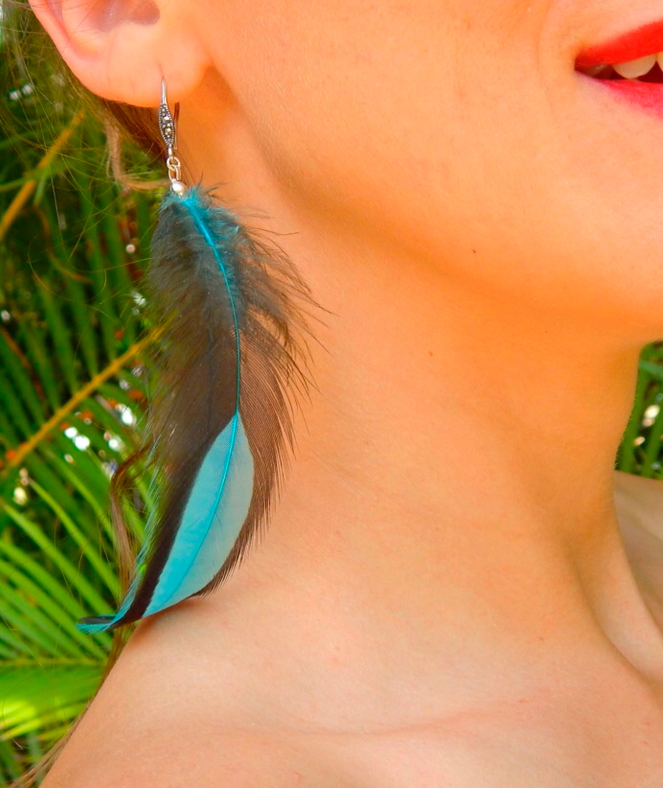 Feather Earrings Hen Rooster Birdy Collection Blue White Splash Unisex Flip Flops
